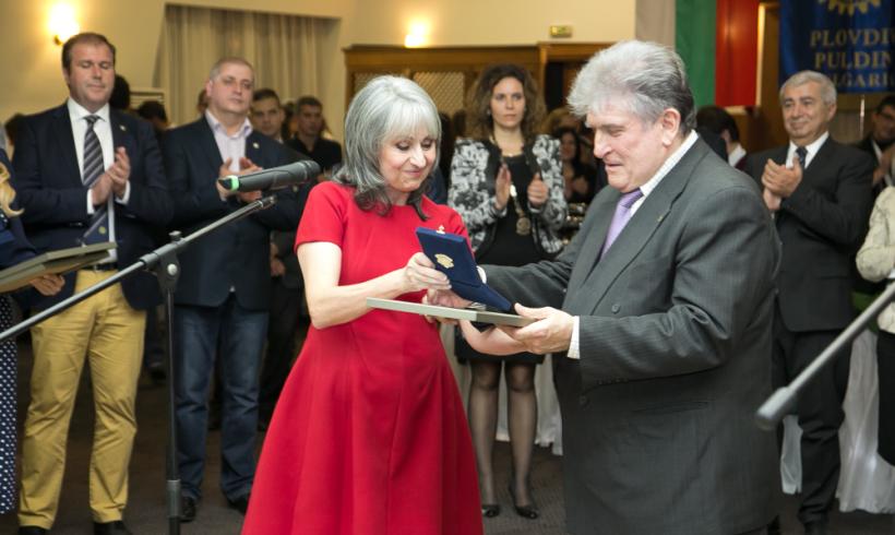 Кирчо Атанасов награждава за Народните Будители и Аз